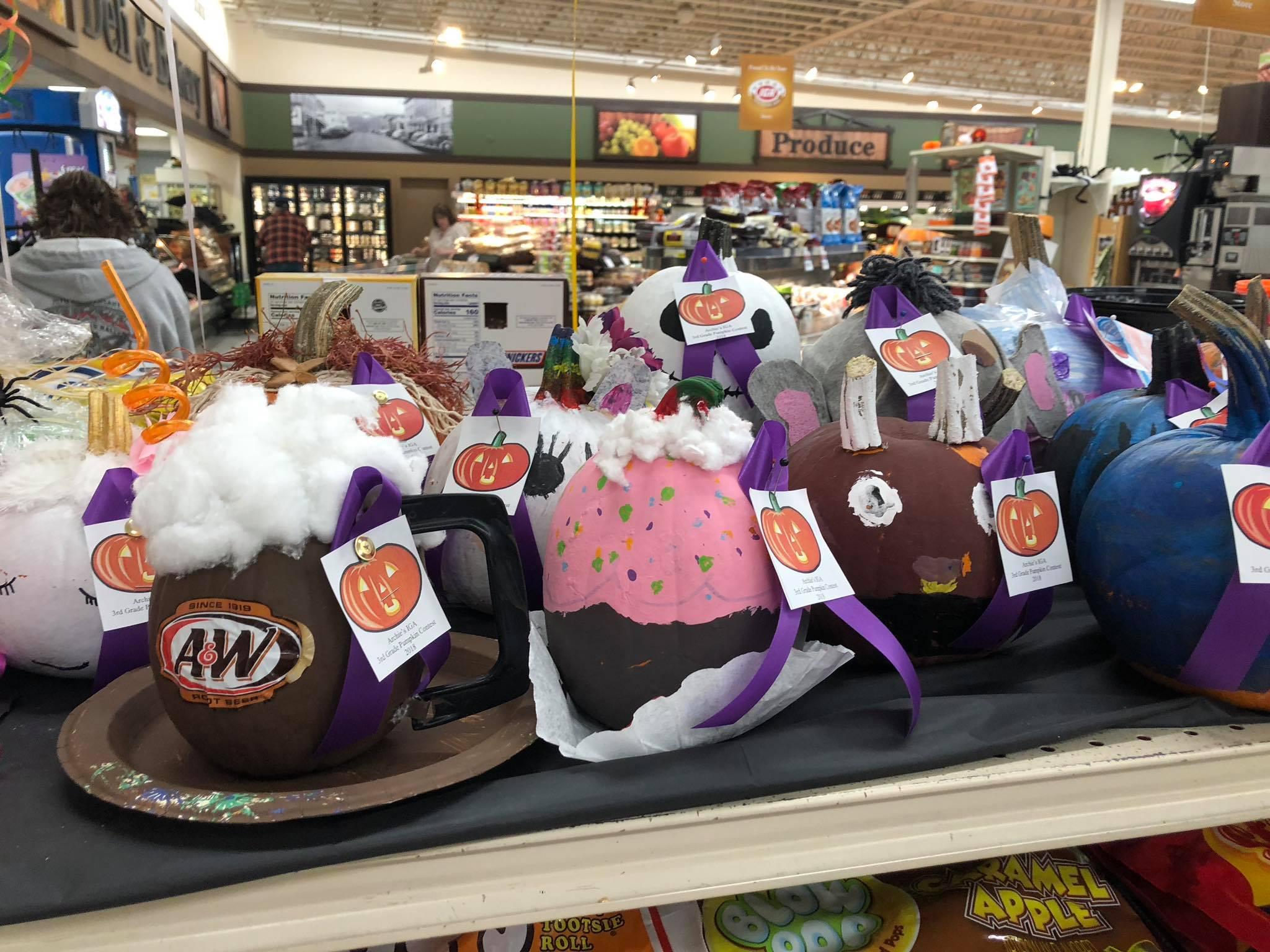 Archies IGA Pumpkin Decorating